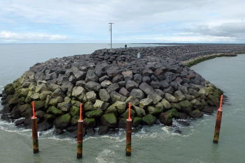 Van der Meer breakwaters and coastal structures 3