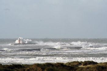 Van der Meer breakwaters and coastal structures 4